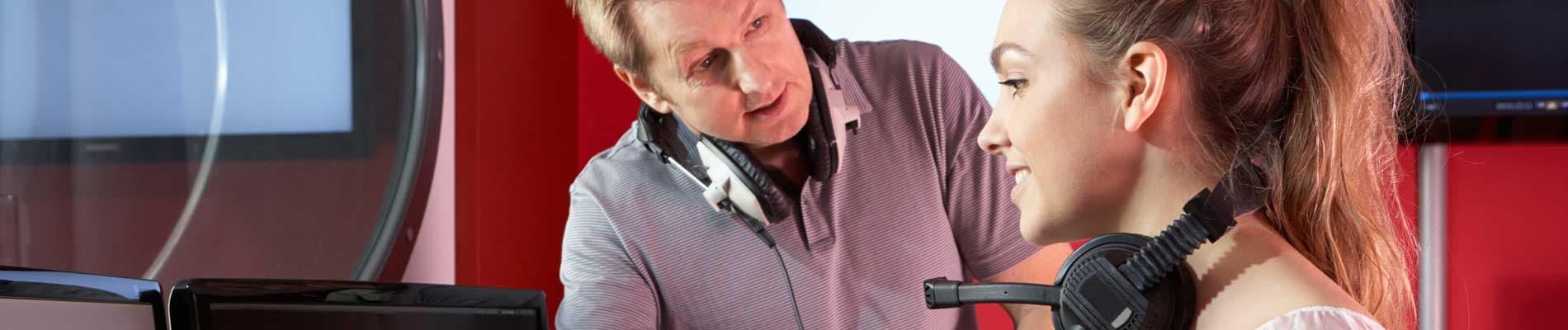 Realización y producción de audiovisuales, radio y espectáculos